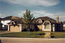 House Blueprint - Contemporary Exterior - Front Elevation Plan #47-742