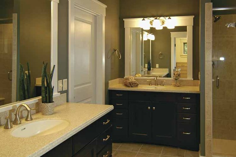 Bungalow Interior - Bathroom Plan #928-169 - Houseplans.com