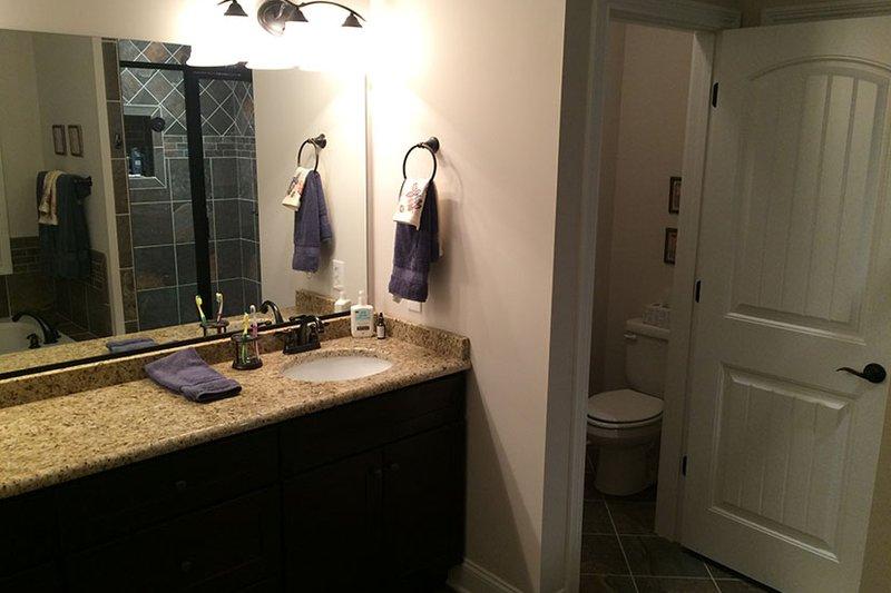 Craftsman Interior - Master Bathroom Plan #927-566 - Houseplans.com