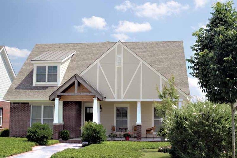 Dream House Plan - Craftsman Exterior - Front Elevation Plan #17-3012