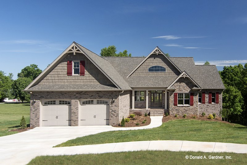 Craftsman Exterior - Front Elevation Plan #929-953