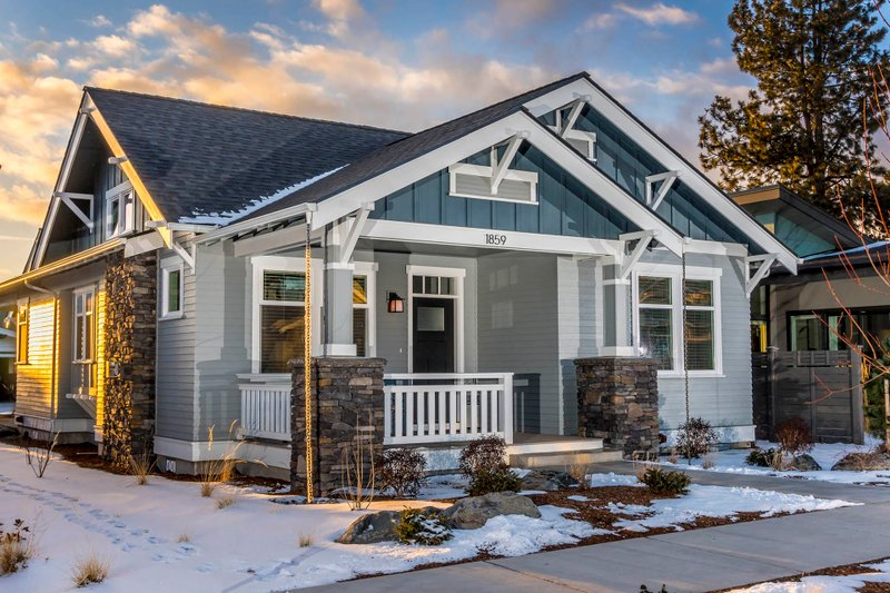 House Design - Craftsman Exterior - Front Elevation Plan #895-99