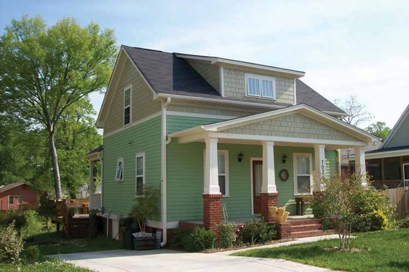 House Plan Design - Craftsman Exterior - Front Elevation Plan #936-10