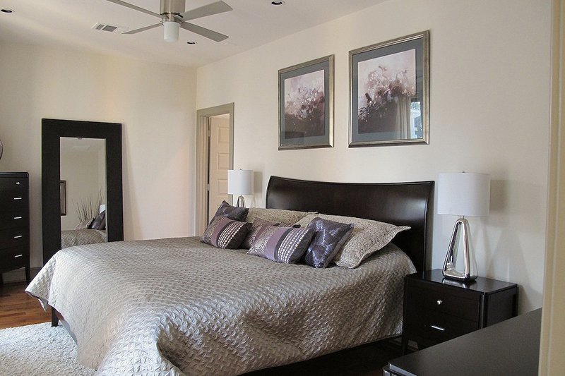 Bedroom - 2600 square foot Modern home