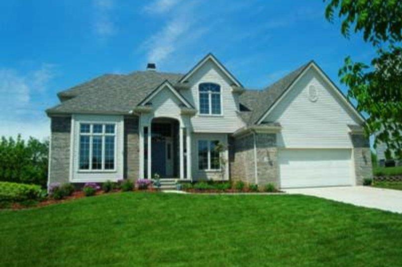 Traditional Exterior - Front Elevation Plan #20-853 - Houseplans.com
