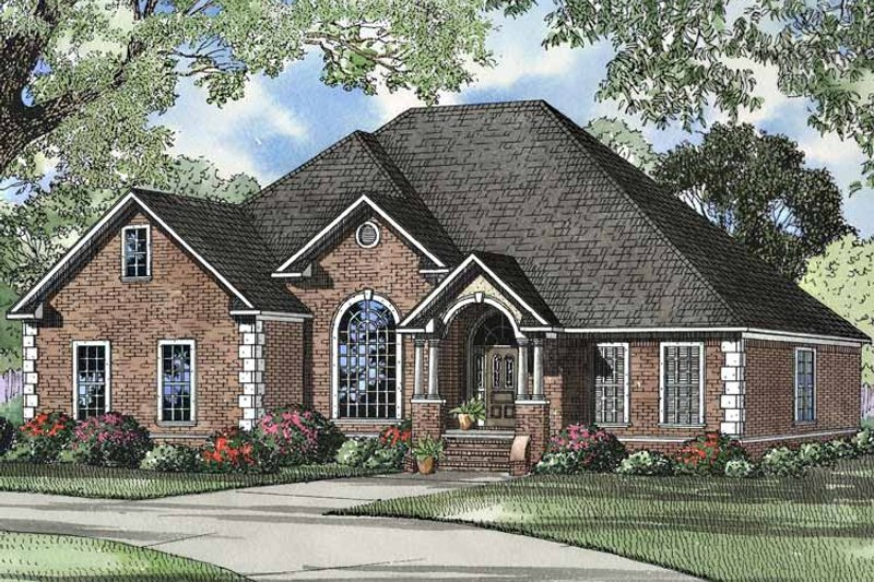 Traditional Exterior - Front Elevation Plan #17-3042 - Houseplans.com