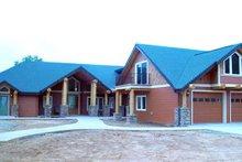 Craftsman Exterior - Front Elevation Plan #124-621