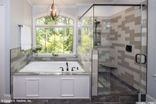 Craftsman Interior - Master Bathroom Plan #929-14