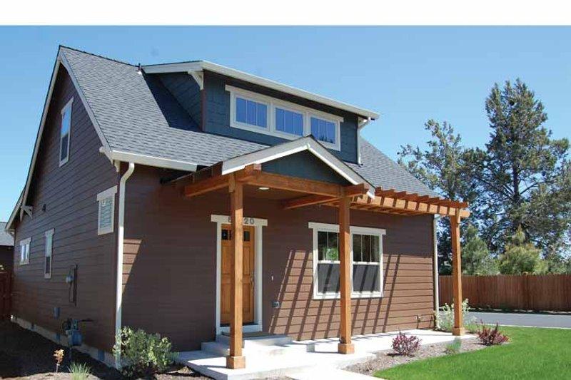 Craftsman Exterior - Front Elevation Plan #895-73 - Houseplans.com