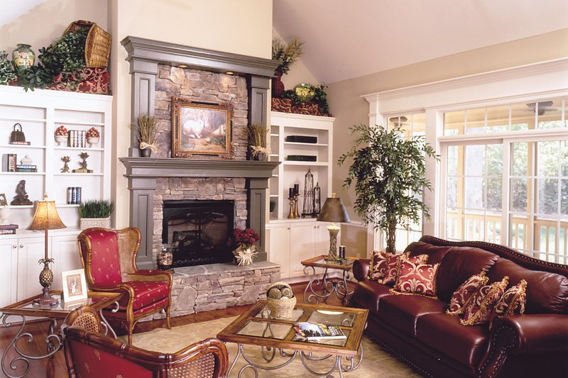 Country Interior - Family Room Plan #929-9 - Houseplans.com