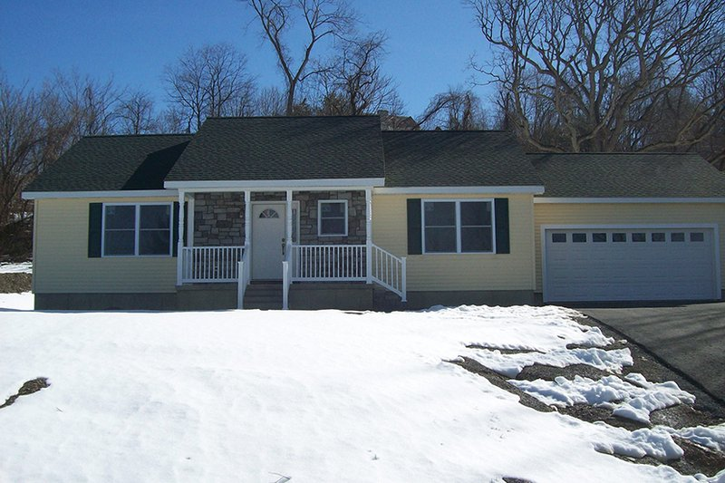 Ranch Exterior - Front Elevation Plan #1061-35 - Houseplans.com