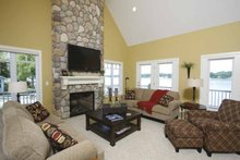 Traditional Interior - Family Room Plan #928-44