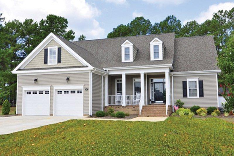 Bungalow Exterior - Front Elevation Plan #927-624 - Houseplans.com