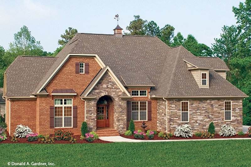 European Style House Plan - 3 Beds 2 Baths 1578 Sq/Ft Plan #929-59