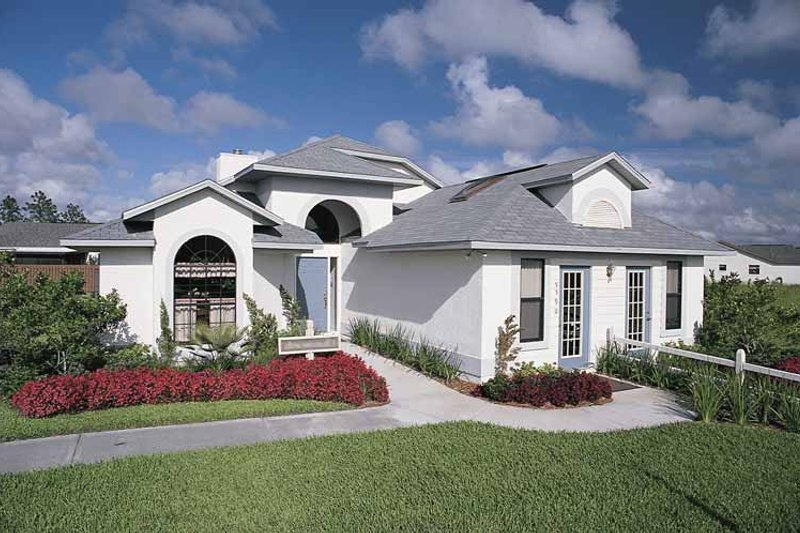 Home Plan - Mediterranean Exterior - Front Elevation Plan #417-462