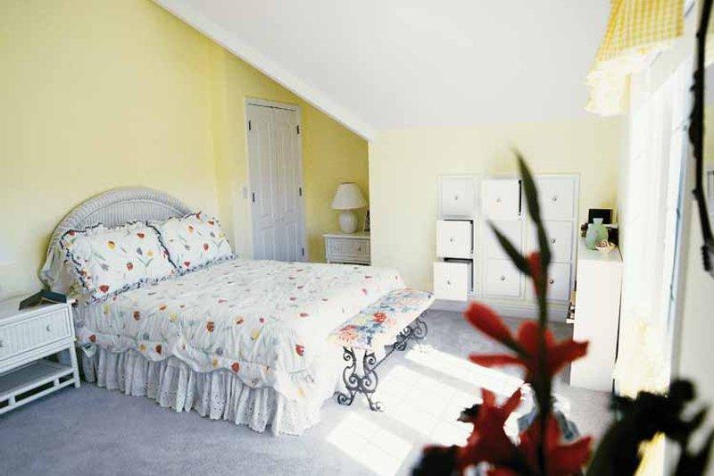 Classical Interior - Bedroom Plan #71-146 - Houseplans.com