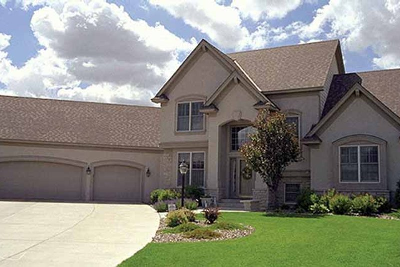 Dream House Plan - Traditional Exterior - Front Elevation Plan #51-826