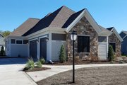 Craftsman Style House Plan - 3 Beds 2.5 Baths 2510 Sq/Ft Plan #70-1481