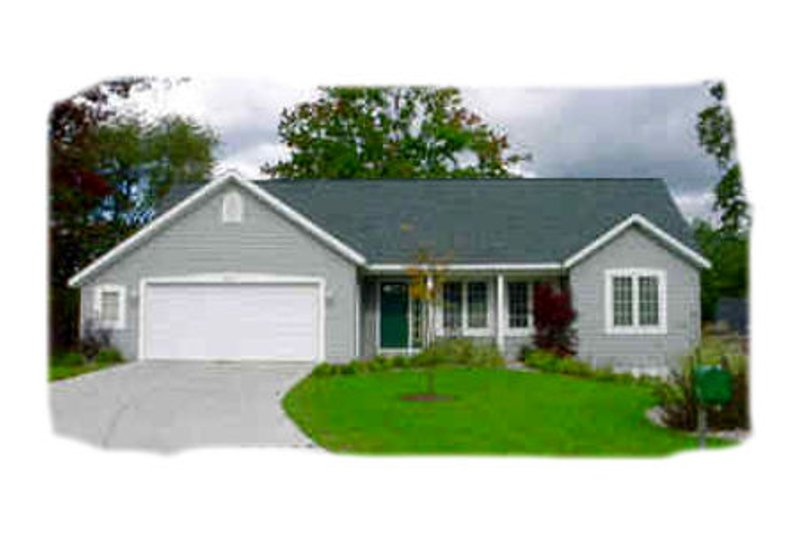 Traditional Style House Plan - 3 Beds 2 Baths 1380 Sq/Ft Plan #49-118