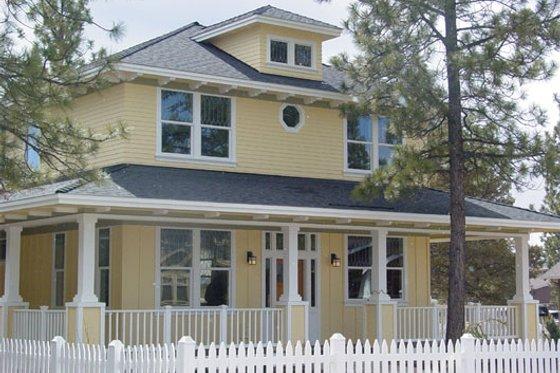 Farmhouse Exterior - Front Elevation Plan #509-21