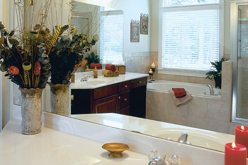 Traditional Interior - Master Bathroom Plan #927-874 - Houseplans.com