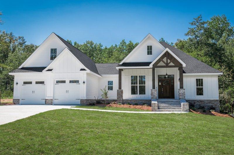 Dream House Plan - Craftsman Photo Plan #430-157