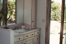 Home Plan - Mediterranean Interior - Master Bathroom Plan #937-16