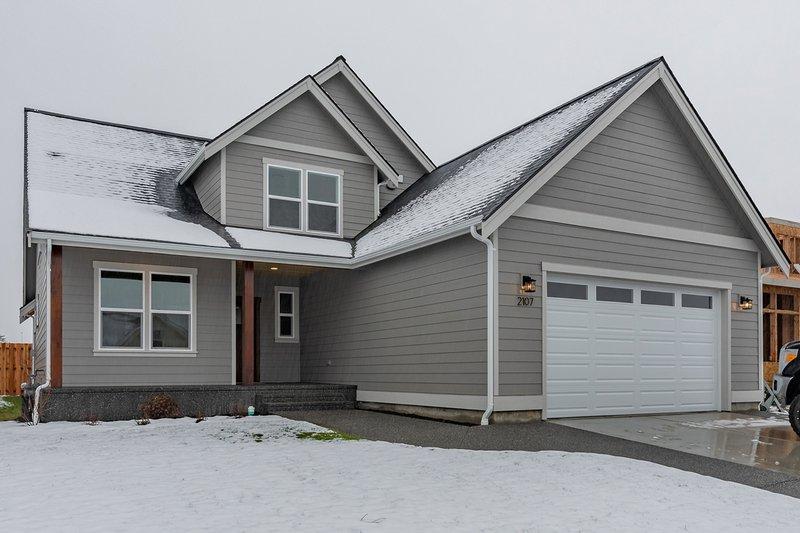 Home Plan - Craftsman Exterior - Front Elevation Plan #1070-53
