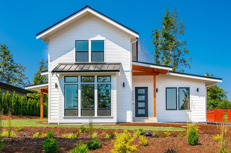 House Design - Farmhouse Exterior - Front Elevation Plan #1070-151