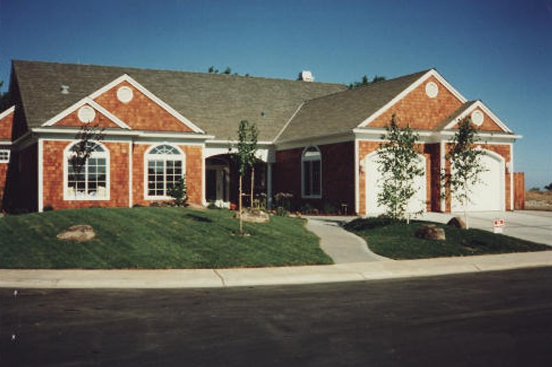 Dream House Plan - Ranch Exterior - Front Elevation Plan #437-1