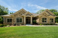 Ranch Exterior - Front Elevation Plan #70-1502