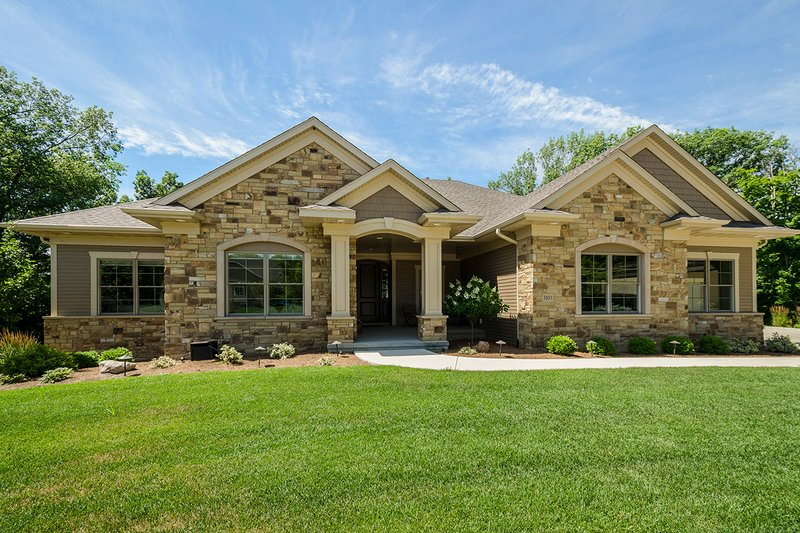 Dream House Plan - Ranch Exterior - Front Elevation Plan #70-1502