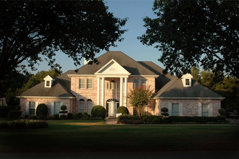 Classical Style House Plan - 4 Beds 4.5 Baths 3559 Sq/Ft Plan #472-1