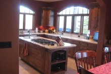 Contemporary Interior - Kitchen Plan #451-22