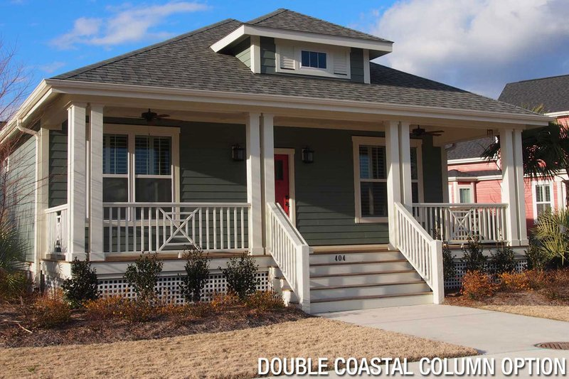 Craftsman Style House Plan - 3 Beds 2 Baths 1728 Sq/Ft Plan #461-26 Exterior - Front Elevation