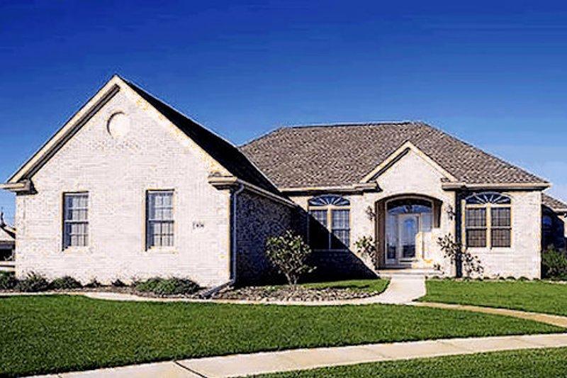 Traditional Photo Plan #20-115 - Houseplans.com