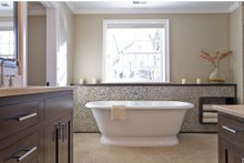 Traditional Interior - Master Bathroom Plan #497-46