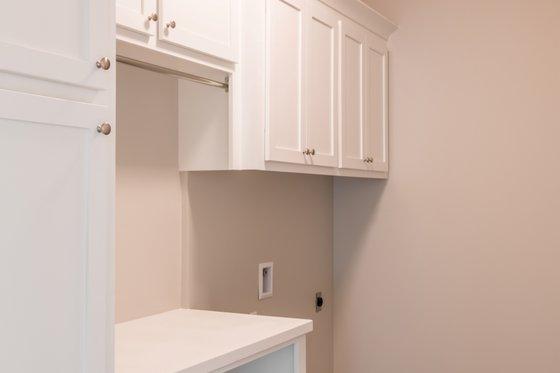 House Plan Design - Craftsman Interior - Laundry Plan #430-157