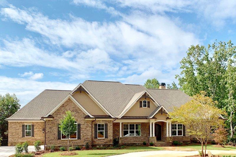 House Design - Craftsman Exterior - Front Elevation Plan #437-105