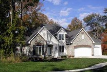 Traditional Exterior - Front Elevation Plan #70-476