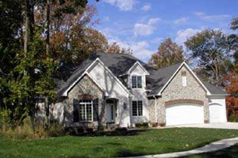 Dream House Plan - Traditional Exterior - Front Elevation Plan #70-476