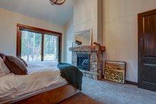 Craftsman Interior - Master Bedroom Plan #892-28