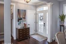 Craftsman Interior - Entry Plan #929-609