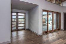 Modern Interior - Entry Plan #892-14
