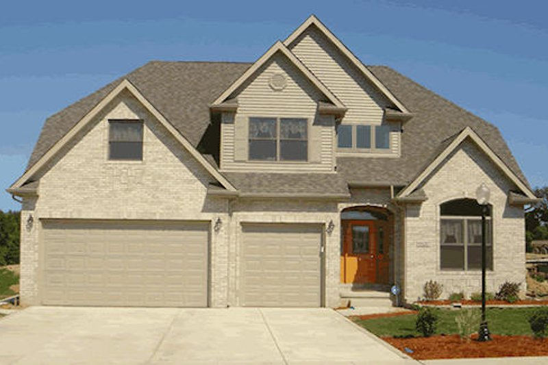 Traditional Exterior - Front Elevation Plan #20-1292 - Houseplans.com