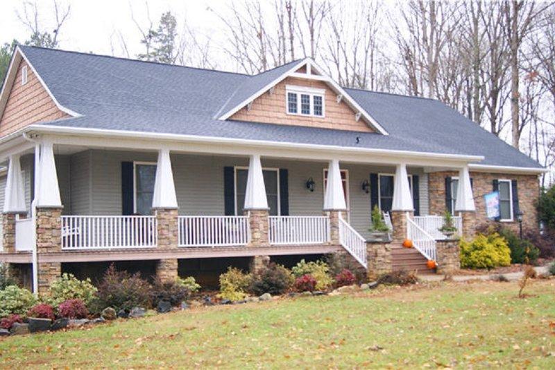 House Plan Design - Craftsman Photo Plan #44-186