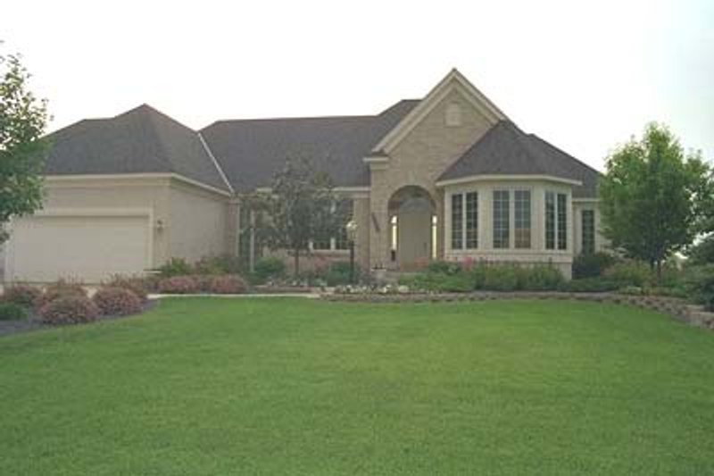 European Style House Plan - 3 Beds 3.5 Baths 3749 Sq/Ft Plan #51-172 Exterior - Front Elevation