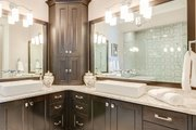 Craftsman Style House Plan - 5 Beds 4 Baths 3112 Sq/Ft Plan #929-839 Interior - Master Bathroom