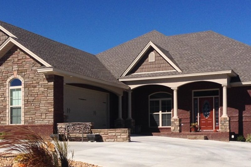 Dream House Plan - Traditional Exterior - Front Elevation Plan #63-407