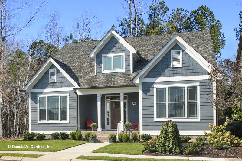 Traditional Style House Plan - 3 Beds 2.5 Baths 2019 Sq/Ft Plan #929-770 Exterior - Front Elevation